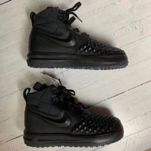 Nike LF1 Duckboot Shoes Youth Sz 6 New